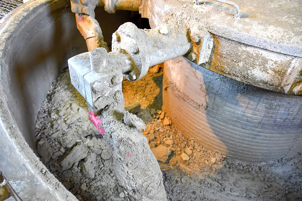 Getrocknete Zuschlagstoffe erschweren das Untermischen von Wasser